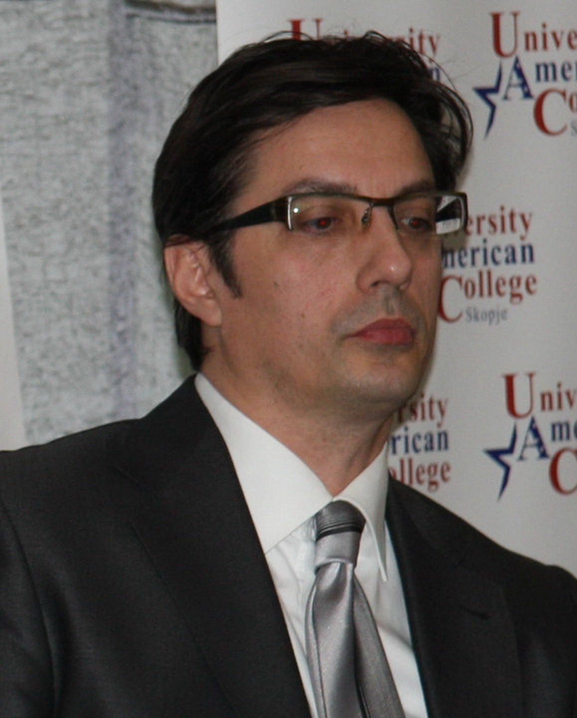 http://www.uacs.edu.mk/userfiles/images/Profesori%20-%20sliki/Faculty%20and%20Staff%20-%20sliki/Stevo%20Pendarovski.jpg